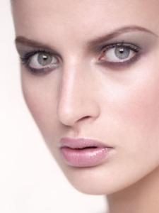 colour studio close-up beauty photograph of Anastasia